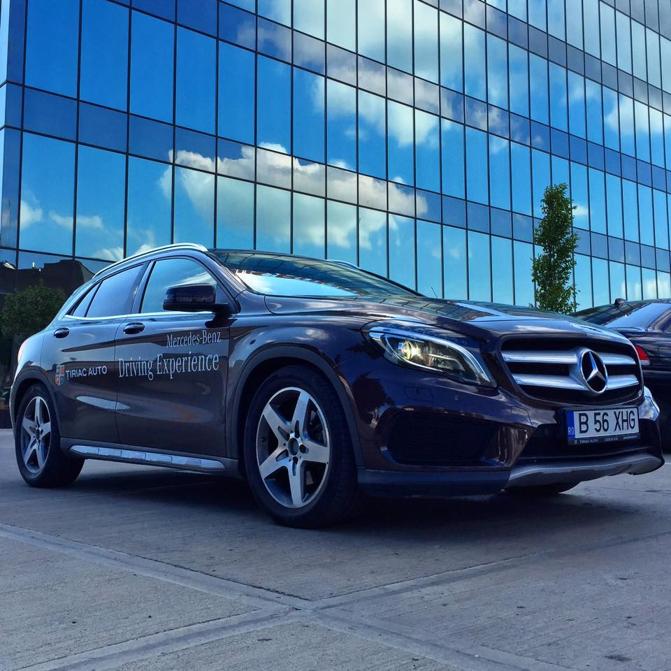 mercedes-benz-gla-glass