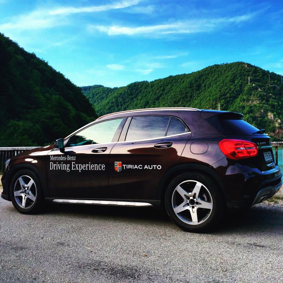 mercedes-benz-gla-lateral